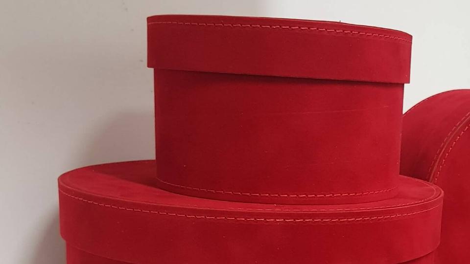 Set scatole in cartone rivestite in velluto colore Rosso