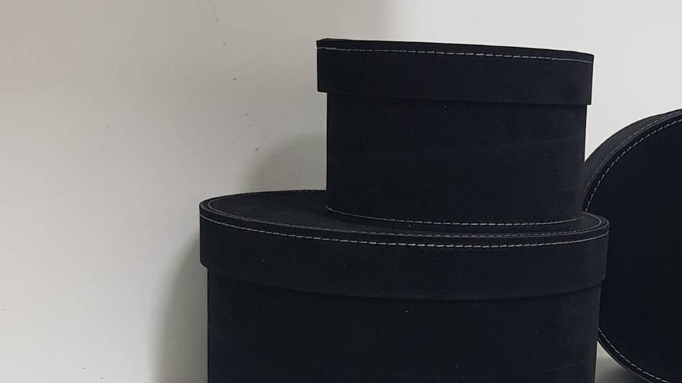 Set scatole in cartone rivestito in velluto colore Nero